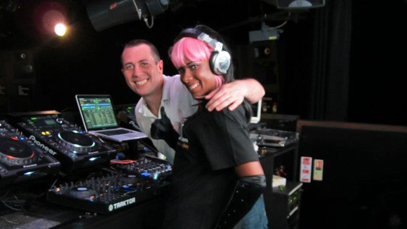 100 DJs break record for longest club DJ session relay