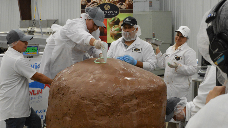World's largest chocolate truffle made by family-owned chocolate company from Texas