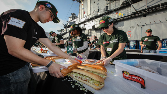 "Eckrich Bacon Lovers Sets Sandwich Record With ""Most Heroes For Our Heroes"""
