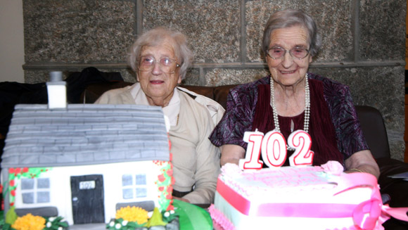 Oldest living twins: Scottish sisters confirmed as new world record holders