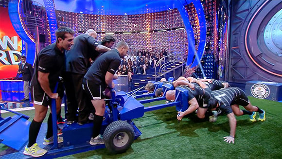 Italian rugby union team set record pushing 1,500 kg scrum machine - Guinness World Records Italian Show