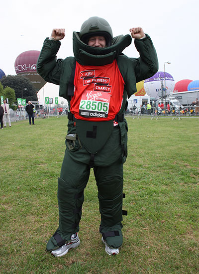 Fastest marathon in a bomb disposal suit