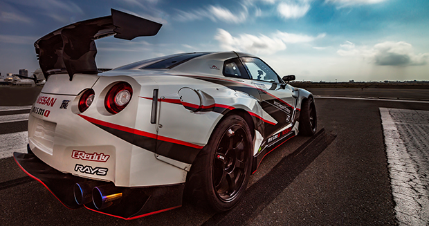 nissan and d1 grand prix champion speed into the record books with fastest vehicle drift ever. Black Bedroom Furniture Sets. Home Design Ideas