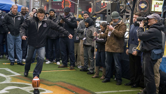 Hundreds help break American football field goal record in New York's Times Square