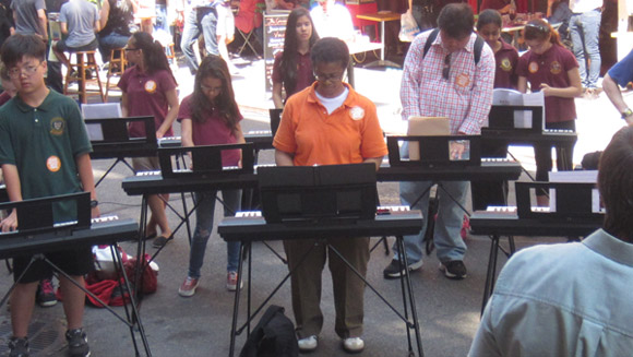 Make Music New York plays largest electronic keyboard ensemble