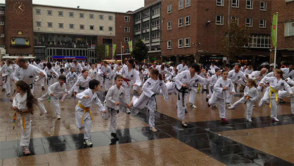 Olympic star Jade Jones cheers on largest taekwondo display world record attempt in Coventry