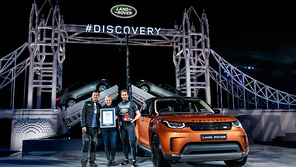 Land Rover sets Largest Lego sculpture world record with incredible Tower Bridge replica