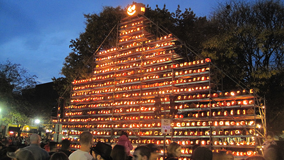 Keene Pumpkin Festival gets ready for Halloween with largest lit jack-o'-lantern display