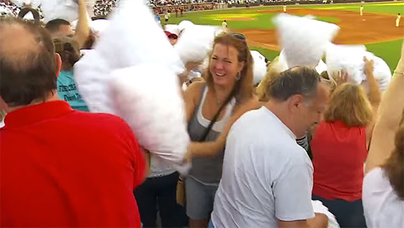 Stephen Baldwin joins ranks as US baseball team hosts largest pillow fight