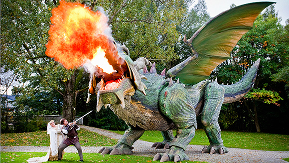 Video: Fanny the fire-breathing dragon – the world's largest walking robot