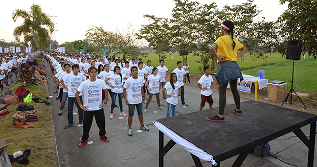 Largest dance fitness class Philippines instructor