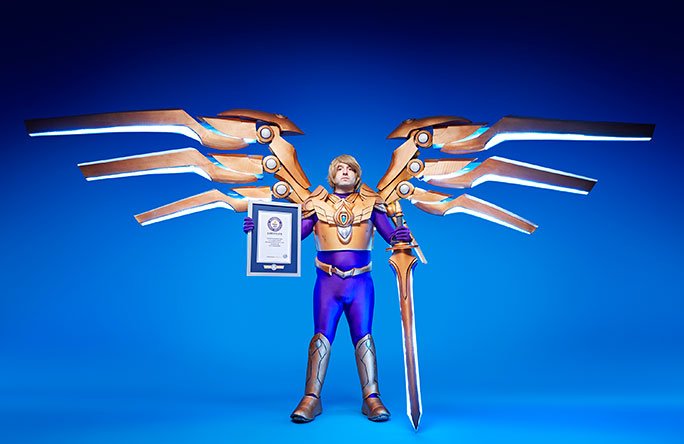 16cb24d1d Video: Cosplayer creates enormous mechanical wings inspired by ...