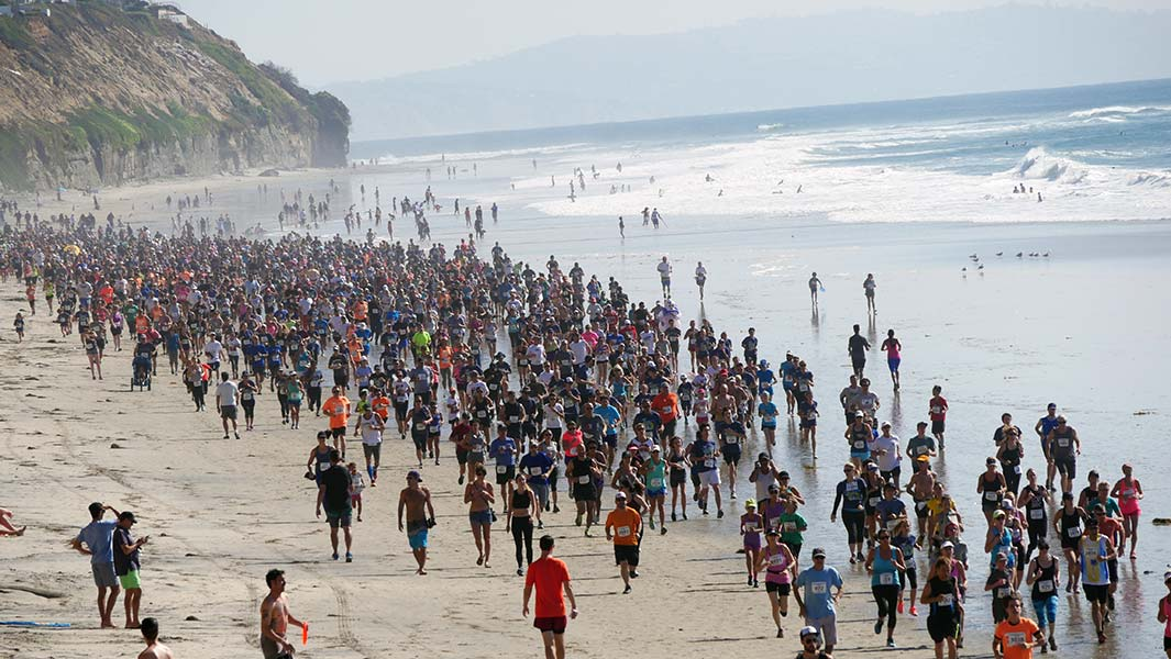 "Thousands take part in record-breaking beach race to help ""save the ocean"""