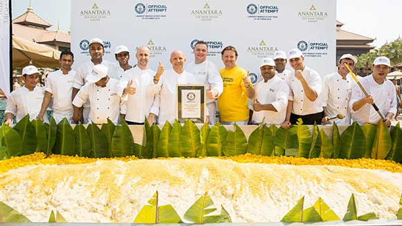 Thai hotel creates world's largest serving of mango sticky rice in Dubai