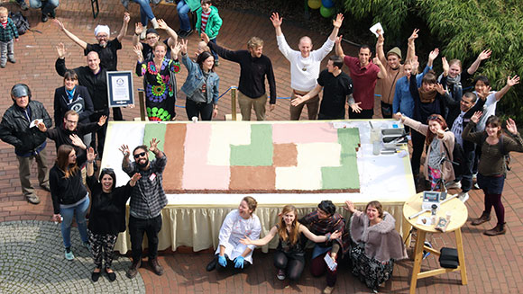 Giant vegan cake sets record at Rohvolution raw food festival in Germany