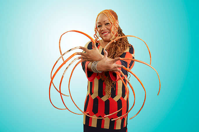 Video: How to grow the world\'s longest fingernails - Ayanna Williams ...