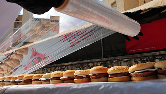 Spanish food distributor breaks record for longest line of hamburgers