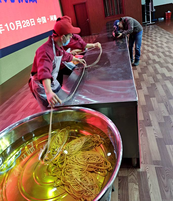 Making the longest noodle