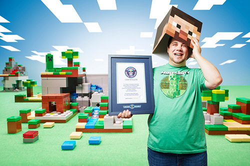 Biggest Minecraft House In The World 2017 minecraft: ten of the best block-busting world records | guinness