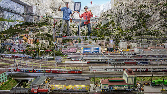 Video: Google's mini Street View tech explores record-breaking model village Miniatur Wunderland