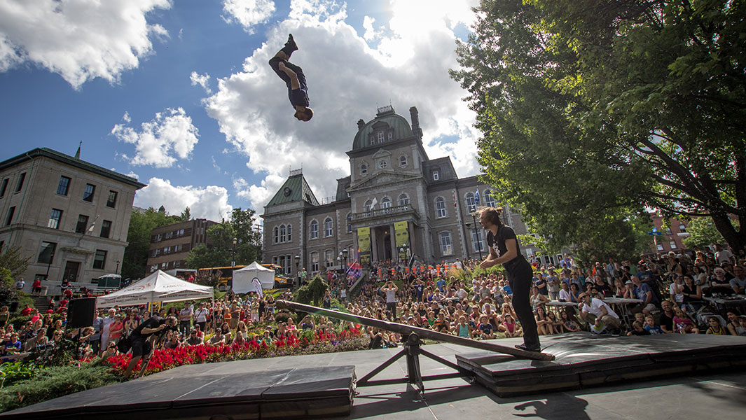 Video: Canadian acrobats attempt backflips record on a teeter-totter