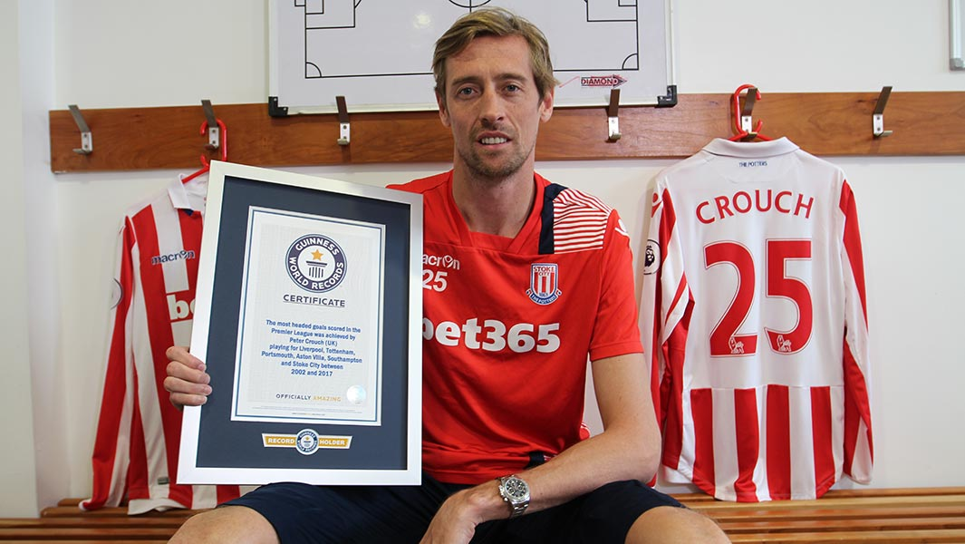 Video: Premier League star Peter Crouch heads into Guinness World Records 2018