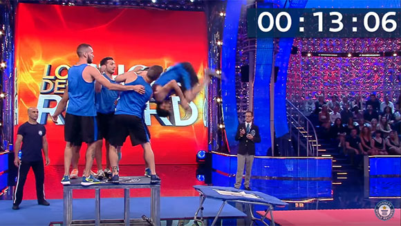 Video: Watch Italian trampoline team attempt incredible forward flip world record - Guinness World Records Italian Show