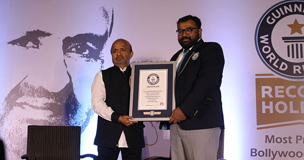 Most prolific Bollywood lyricist Sameer Pandey receives certificate