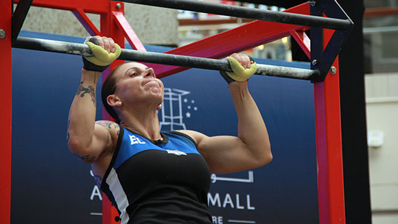 Video: Aussie mum smashes most pull ups in 24 hours record to raise money for charity