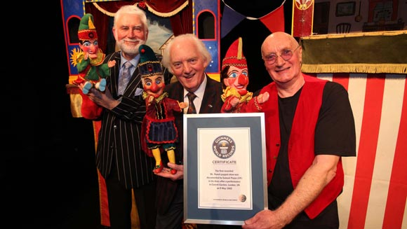 Mr Punch puppet show's 350th anniversary celebrated with world record