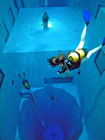 As Deep As It Gets Take A Dip In The World S Deepest Swimming Pool For Diving Video