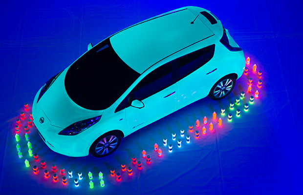 Nissan Leaf largest UV painting Guinness World Records