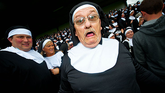 Largest gathering of people dressed as nuns