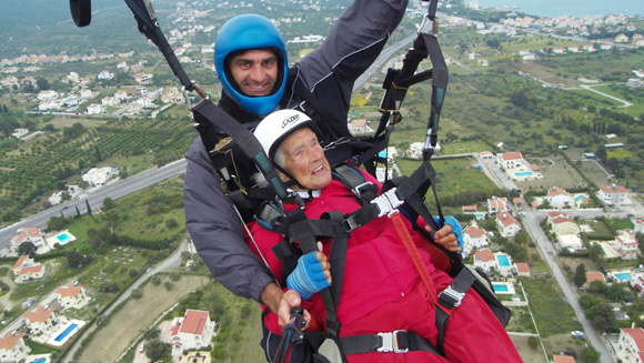Video: Watch daring 104-year-old Scottish woman win back oldest paraglider world record