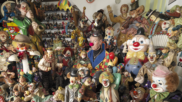 Video: German woman sets new record for largest collection of clowns in time for Halloween