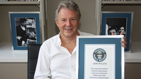 Video: Coronation Street actor Philip Lowrie breaks world record