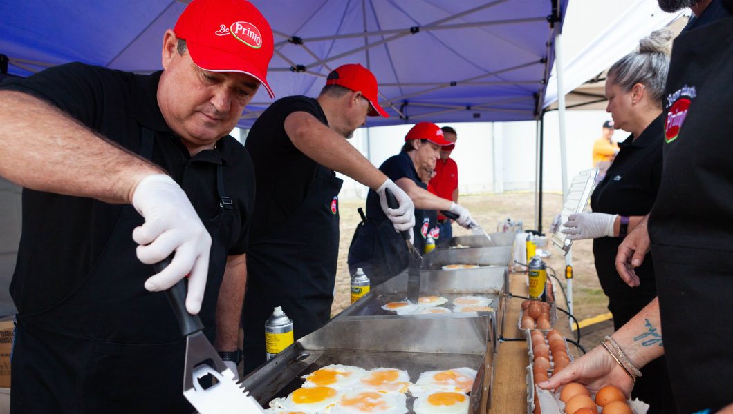 Australia S Primo Foods Grills Record Breaking Serving Of