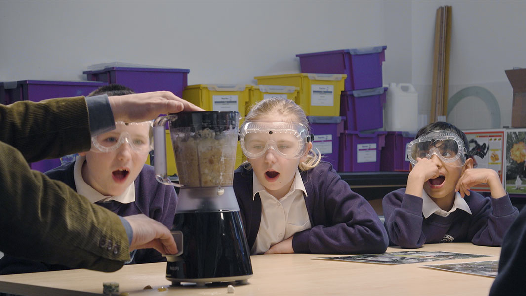 Video: Kids react to the world's smelliest plant in hilarious science lesson