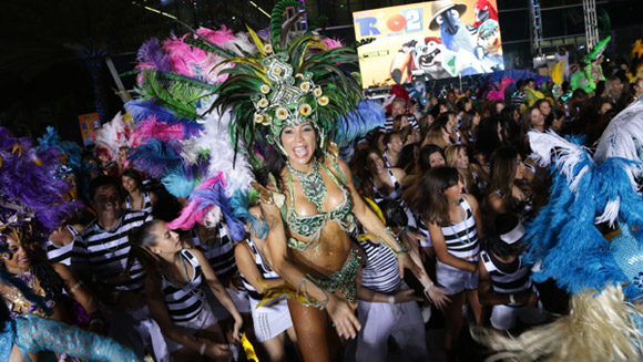 (Video) Rio 2 world premiere dances its way to largest samba record