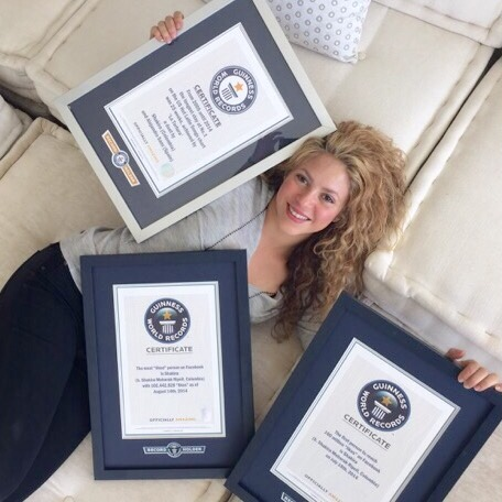 Shakira_Guinness Book of World Records Photo