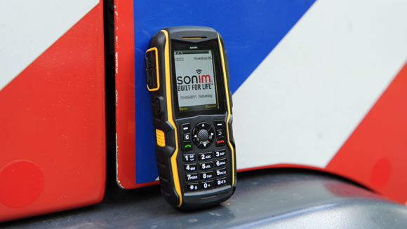 Video: Sonim XP3300 Force handset sets new toughest phone record after surviving 25 metre fall