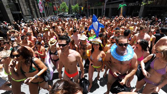 Australia gets set for new swimwear parade record attempt