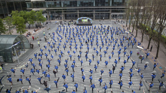 Massive taekwondo display by KPMG staff sets new world record‎