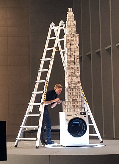 Tallest house of cards built in 12 hours Bryan Berg
