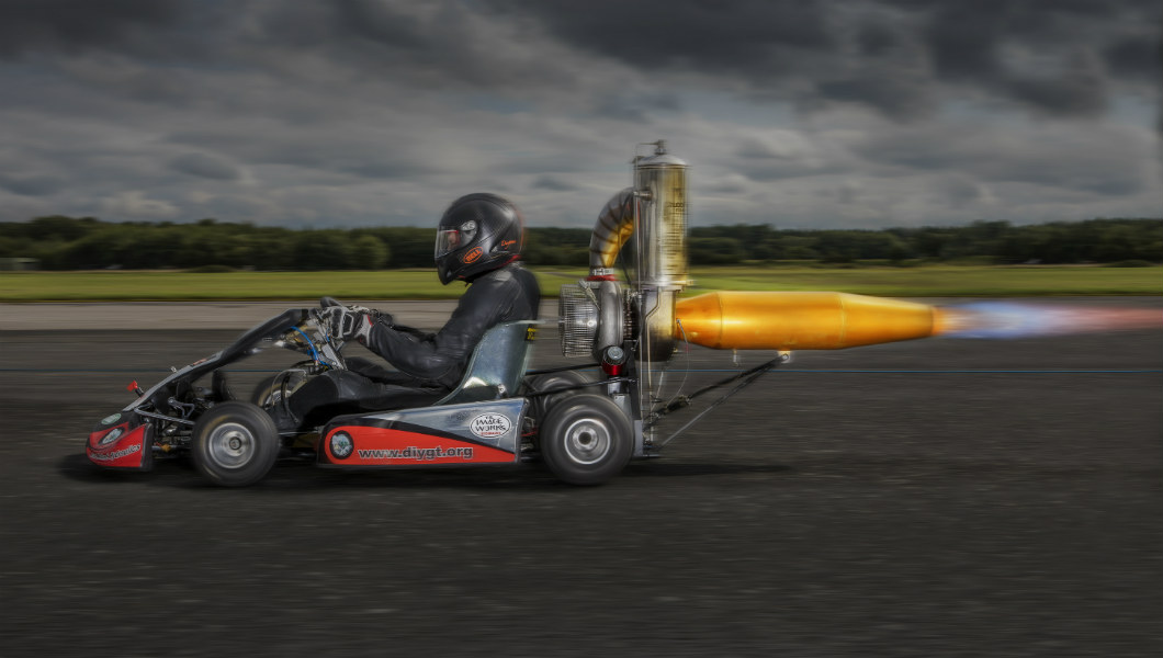 go kart Video: British engineer rockets to new record by achieving 112 mph