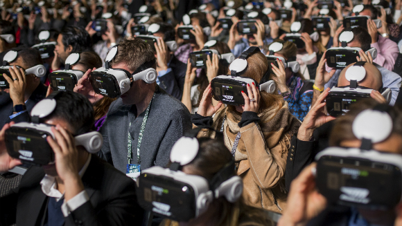 Most people using virtual reality displays3