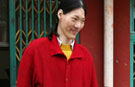 Yao Defen, world's tallest woman, dies aged 40