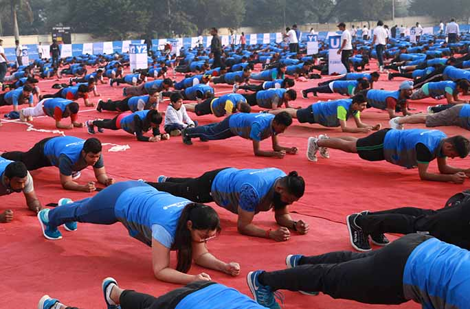 close-up-of-most-people-holding-the-abdominal-plank-position.jpg