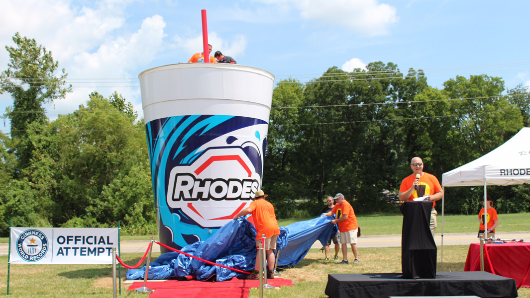 Super-sized soft drink sets world record in Missouri
