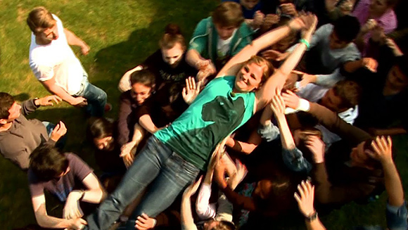 Guinness World Records Classics: Fastest crowd surf